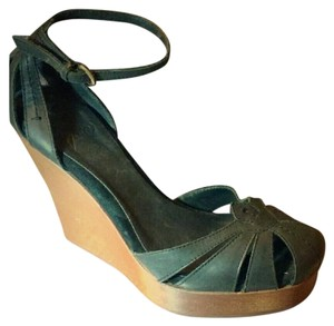 Joie Comfortable Wooden Leather Black Wedges