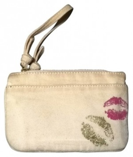 Preload https://item3.tradesy.com/images/juicy-couture-beige-wristlet-18787-0-0.jpg?width=440&height=440