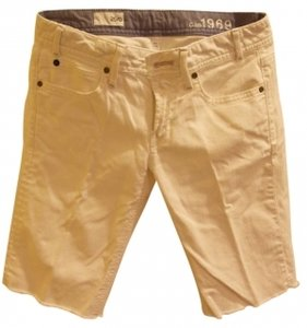 Gap Cut Off Shorts white