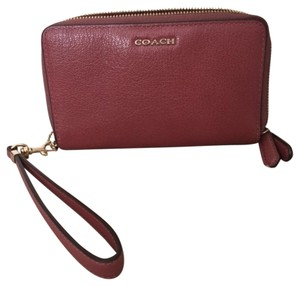 Coach Clutch, wallet