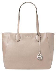 Michael Kors Mihael Tote in Cement silver