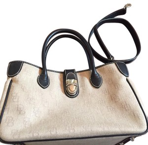 Dooney & Bourke Tote in Taupe/black