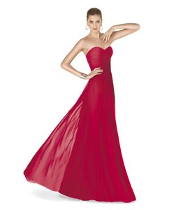 Pronovias Crimson Red Amaris Destination Bridesmaid/Mob Dress Size 8 (M)