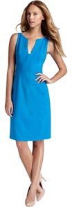 Elie Tahari V Neckline Elegant Sleeveless Dress