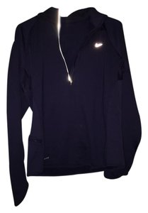 Nike Nike Hooded 1/2 zip pull over.