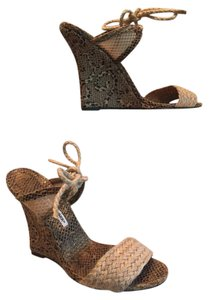 Manolo Blahnik tan/brown Wedges