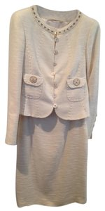 Escada Sleek and elegant silk linen skirt suit