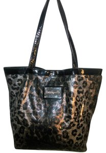 Betseyville Shoulder Bag