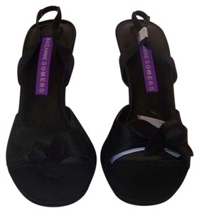 Suzanne Somers Brand New Classic Style Slingback Strappy Black Satin Sandals