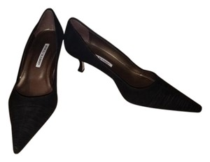 Manolo Blahnik Kitten Heels Designer Black Pumps