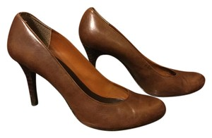 Max Studio Brown Snakeskin Pumps