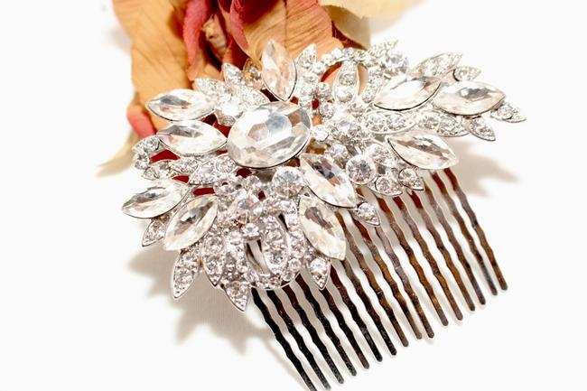 Item - Silver Ivory Bold Statement Crystal Comb Hair Accessory