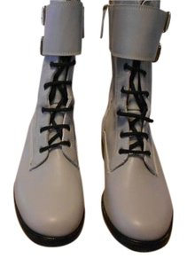 Tapeet Color Grey Boots