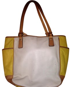 Coach Tote in Yellow Cream Tan