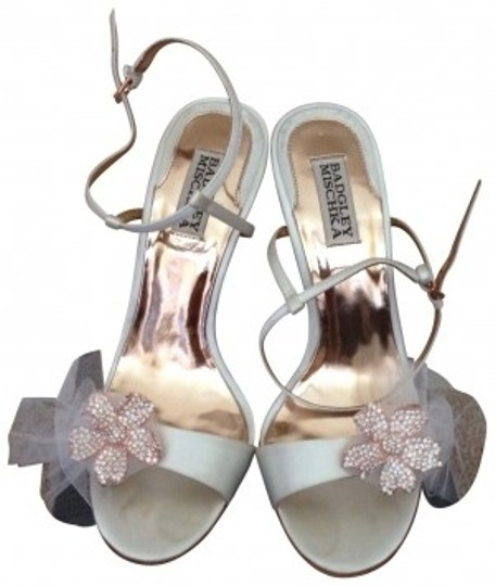 Badgley Mischka White satin Sandals