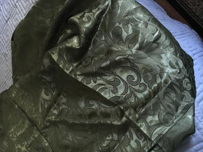Item - Green Damask Cover Tablecloth