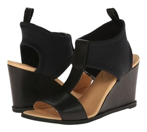 MM6 Maison Martin Margiela Neoprene T-strap Leather High Street Black and tan Wedges