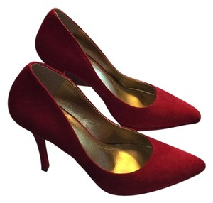 BCBGeneration Deep Red Pumps