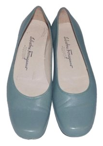 Salvatore Ferragamo Comfy Classic Dressy Or Casual Ballet Almond Shaped Toes Excellent Vintage sea foam green leather Flats