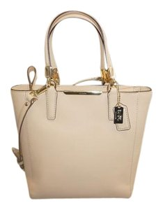 Coach 3000092829 Msrpn258 Tote in Nude/ Tan