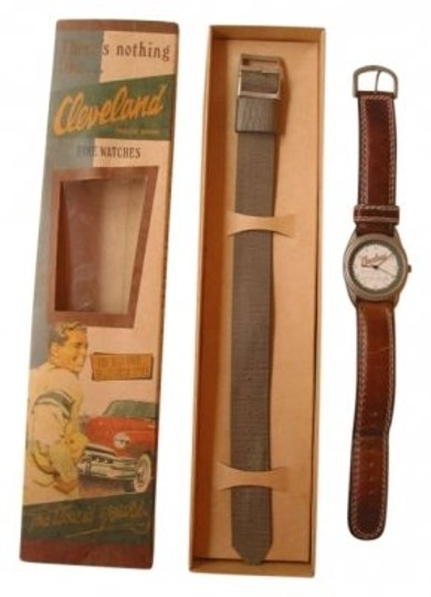 Preload https://item1.tradesy.com/images/brown-vintage-style-cleveland-with-box-and-extra-band-watch-188245-0-0.jpg?width=440&height=440