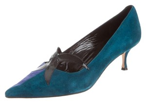 Manolo Blahnik Stiletto Blue and teal suede Pumps