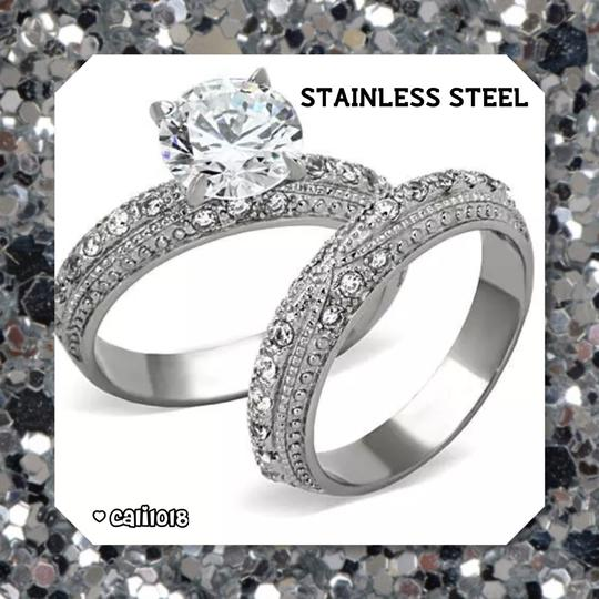Preload https://img-static.tradesy.com/item/18829648/silver-stainless-steel-new-2pc-cz-women-s-wedding-band-set-0-0-540-540.jpg