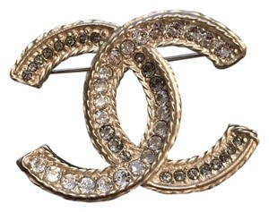 Chanel Chanel Classic Crystal CC Logo Gold Metal Brooch Pin 2016