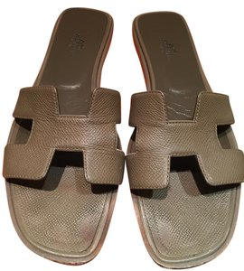 Herms Etoupe Sandals