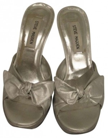 Preload https://item1.tradesy.com/images/steve-madden-silver-pump-sandals-size-us-75-188345-0-0.jpg?width=440&height=440