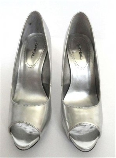 X Appeal Silver Pumps