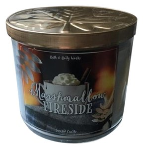 Bath and Body Works 3 wick scented candle large marshmallow fireside