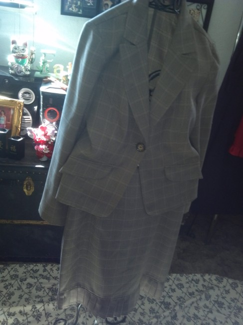 KC Spencer Plaid Suit Image 3