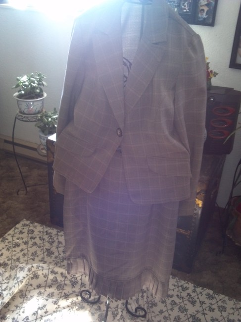 KC Spencer Plaid Suit Image 5