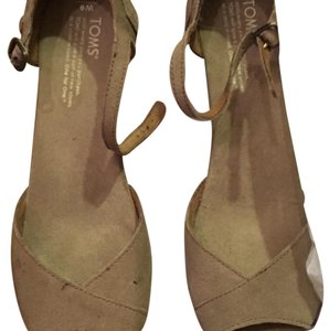 TOMS Tan/Natural Wedges