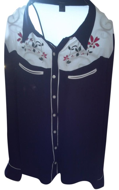 Preload https://img-static.tradesy.com/item/18842158/forever-21-blue-country-blouse-size-12-l-0-2-650-650.jpg