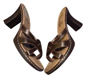 Mudd Heels Brown Sandals