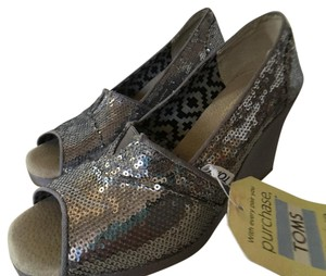 TOMS Pewter Wedges