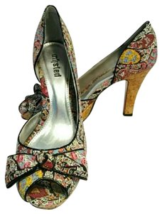 Unlisted by Kenneth Cole Multi Pumps