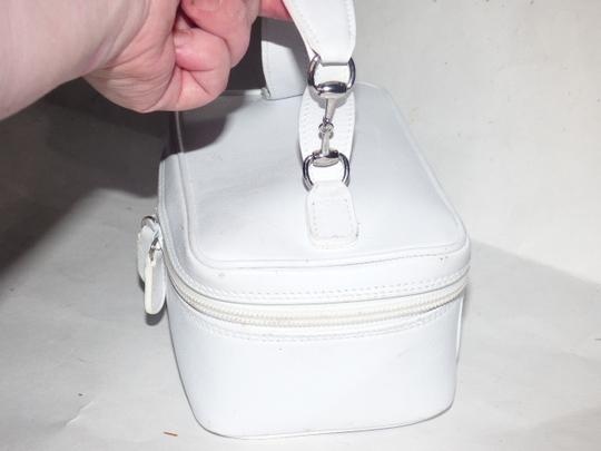 Gucci Mint Vintage Petite But Roomy Dual Zip Closure Chrome Hardware Equestrian Accents Satchel in white leather Image 3