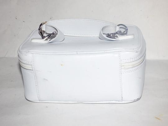 Gucci Mint Vintage Petite But Roomy Dual Zip Closure Chrome Hardware Equestrian Accents Satchel in white leather Image 4
