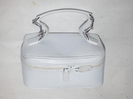 Gucci Mint Vintage Petite But Roomy Dual Zip Closure Chrome Hardware Equestrian Accents Satchel in white leather Image 6