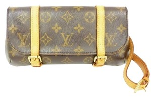 Louis Vuitton Authentic Louis Vuitton Monogram Leather Pouch Belt