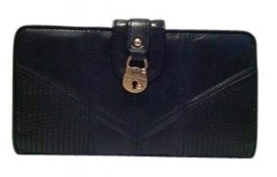 Preload https://item5.tradesy.com/images/juicy-couture-black-leather-with-gold-hardw-wallet-18864-0-0.jpg?width=440&height=440