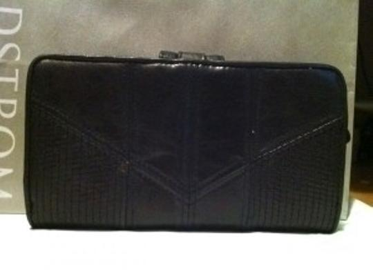 Juicy Couture Juicy Couture Black leather wallet with gold hardw
