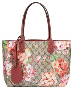 Gucci Reversible Tian Blooms Tote in antique pink