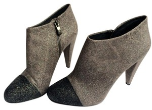 Vince Camuto Gray / Black Boots
