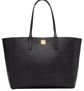 MCM Leather Wrislet Shopper Tote in Black