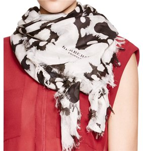 Burberry Hexagonal Square Scarf