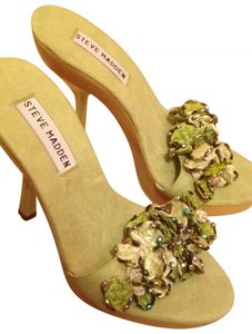 Steve Madden Heels Wood Summer Suede Fancy Fun New Dressy Girly light green Sandals